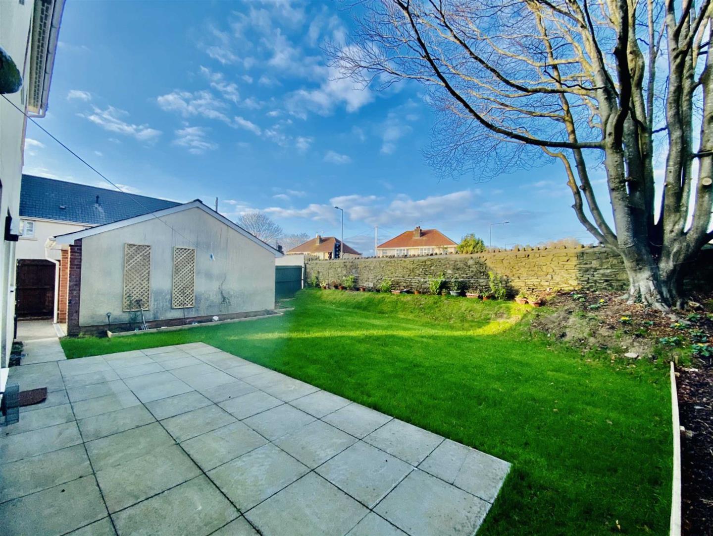 Millwood Gardens, Killay, Swansea, SA2 7BE